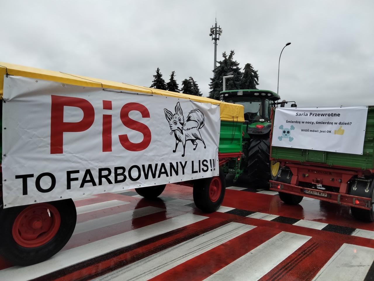 PODKARPACIE: Rolnicy walczą o swoje! Na ulicach spędzą 24 godziny [ZDJĘCIA] - Zdjęcie główne