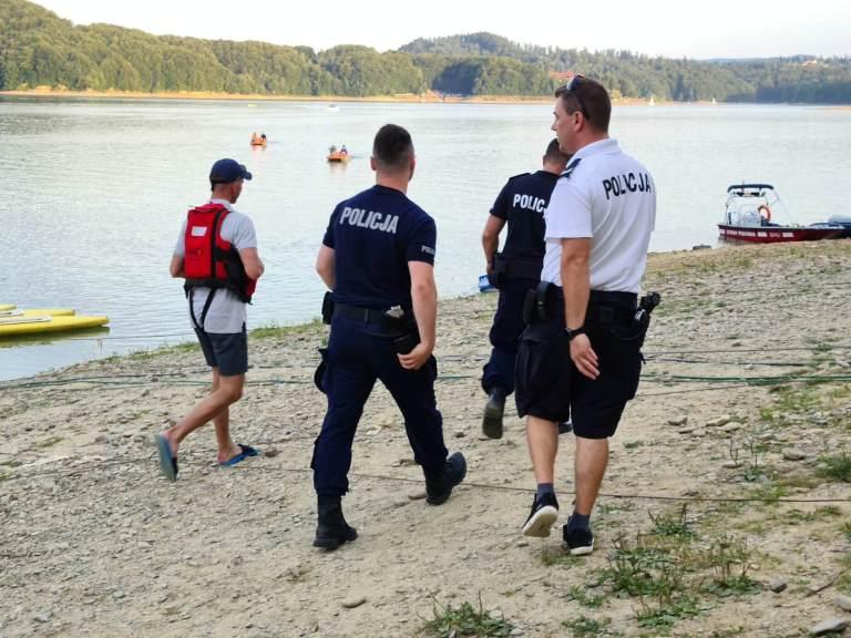 Podkarpacie: Zwłoki nastolatka znaleziono na głębokości 45 metrów! - Zdjęcie główne