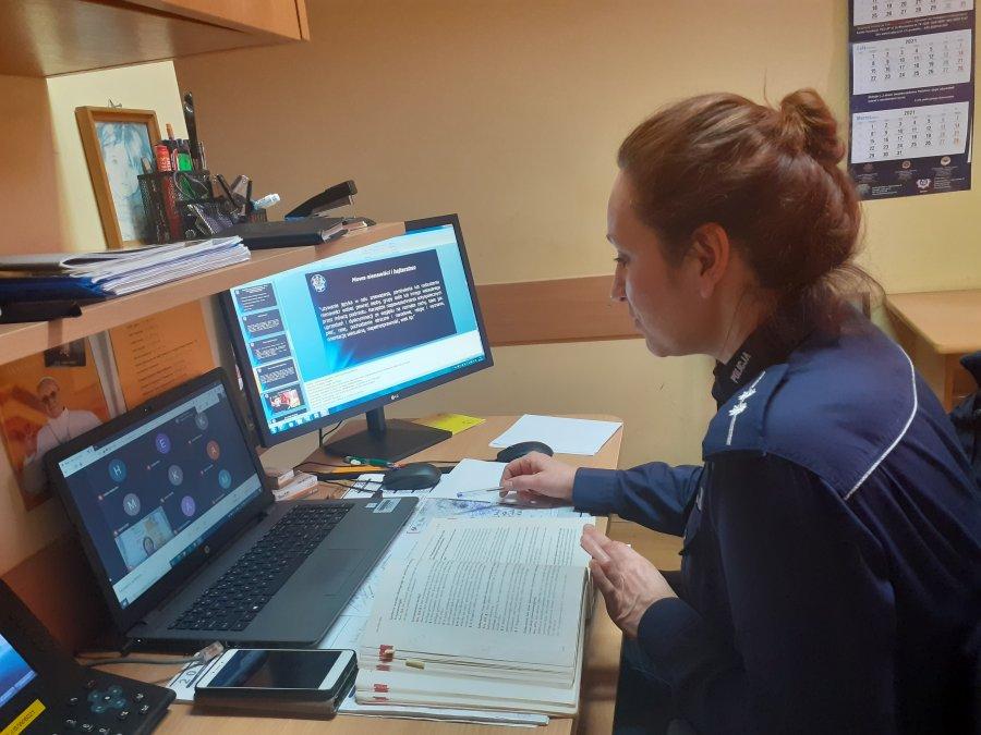 Asp. Beata Chmielowiec o cyberprzemocy  - Zdjęcie główne