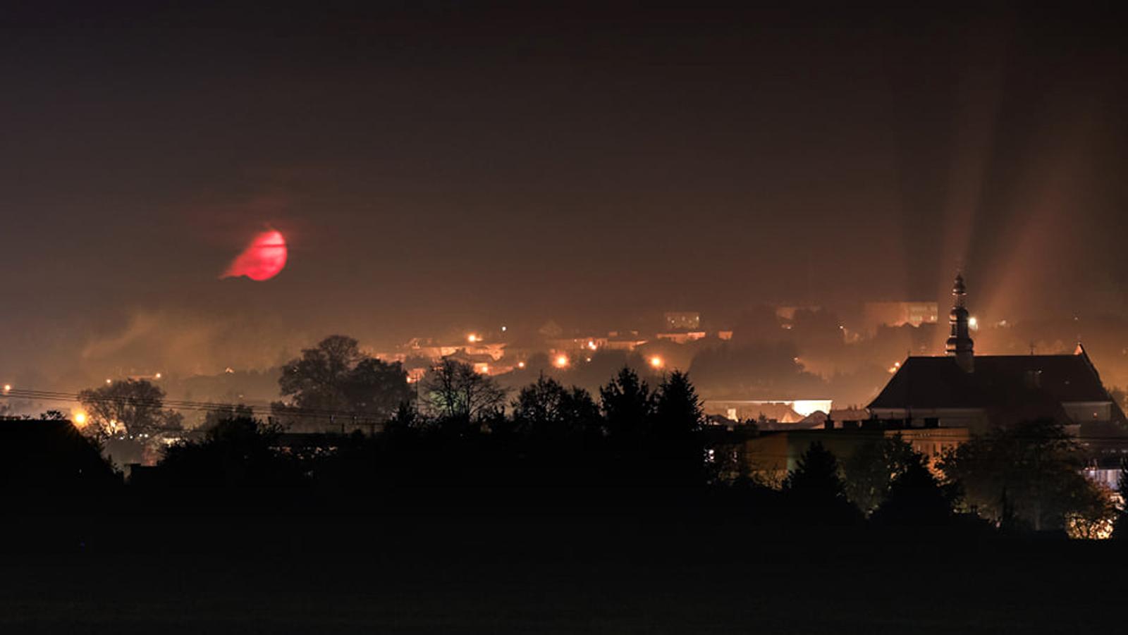 Tatry ponownie uchwycone z Kolbuszowej. Zobacz niezwykłe fotografie [ZDJĘCIA] - Zdjęcie główne