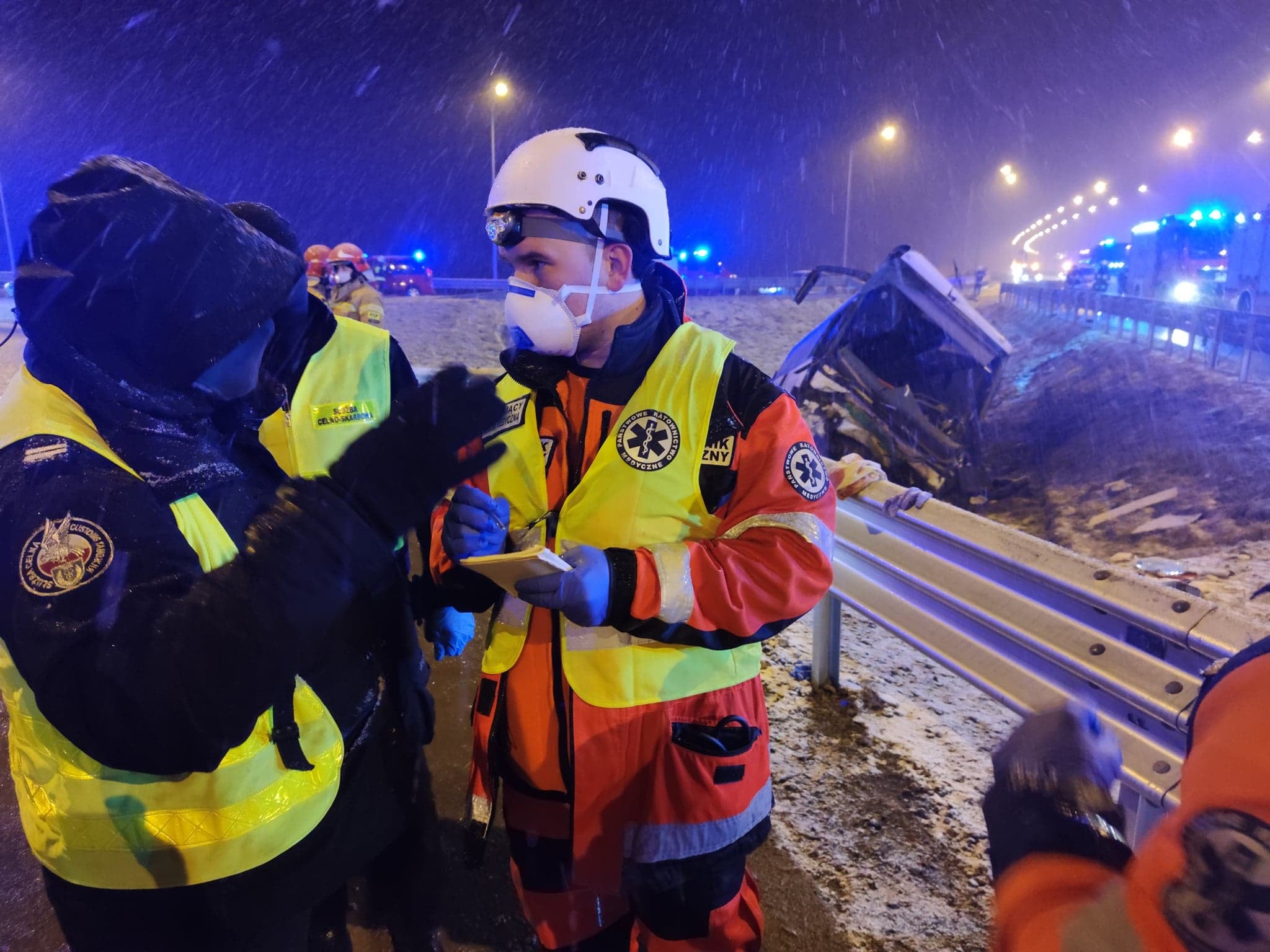Podkarpacie: Kolejny wypadek autokaru na autostradzie A4 [ZDJĘCIA] - Zdjęcie główne