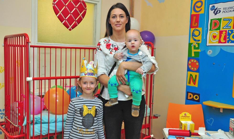 Ponad setka maluchów, wraz z rodzicami, na oddziale dziecięcym w szpitalu w Kolbuszowej  - Zdjęcie główne