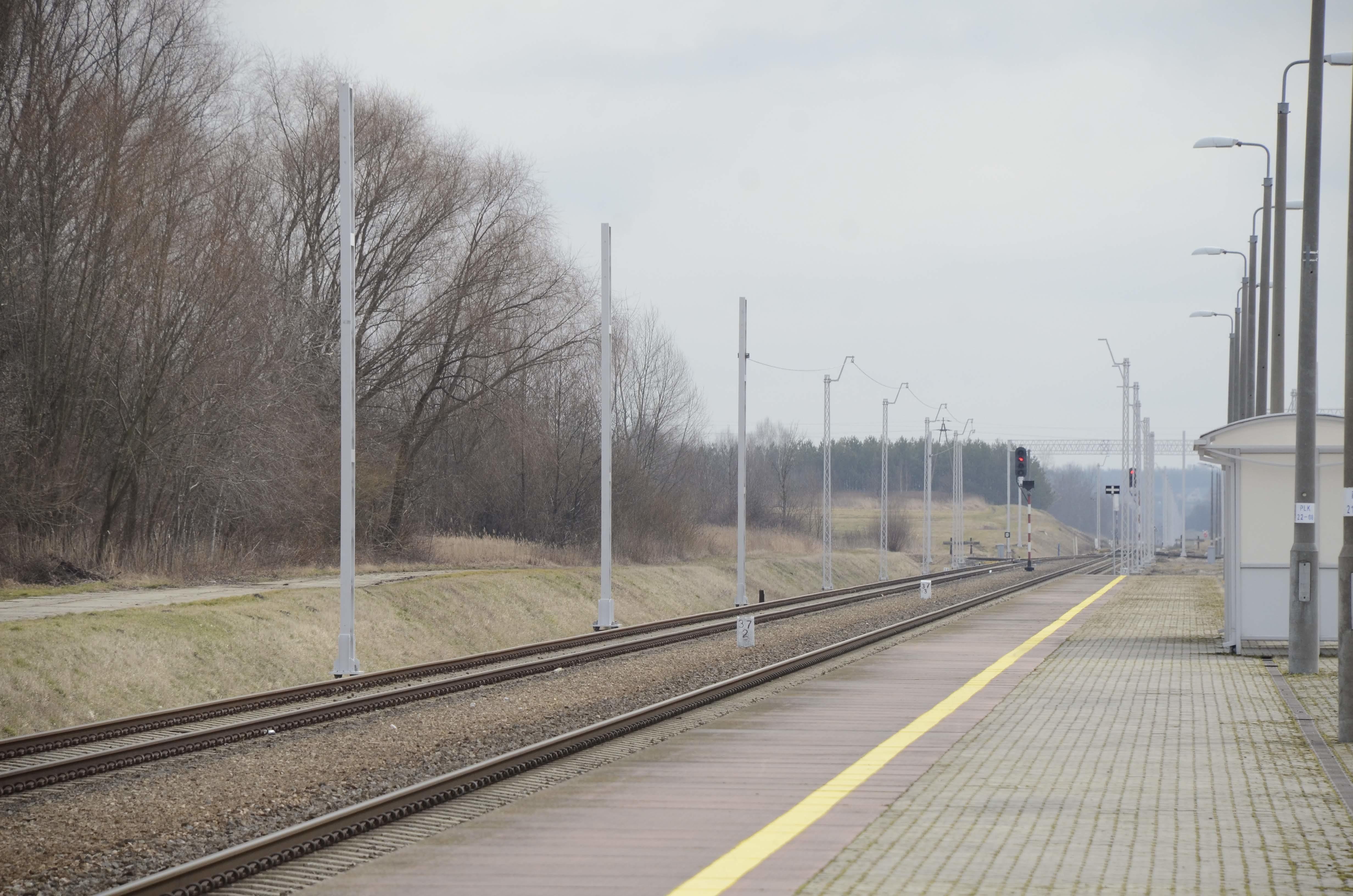 KOLBUSZOWA. Trwa elektryfikacja linii kolejowej [FOTO] - Zdjęcie główne