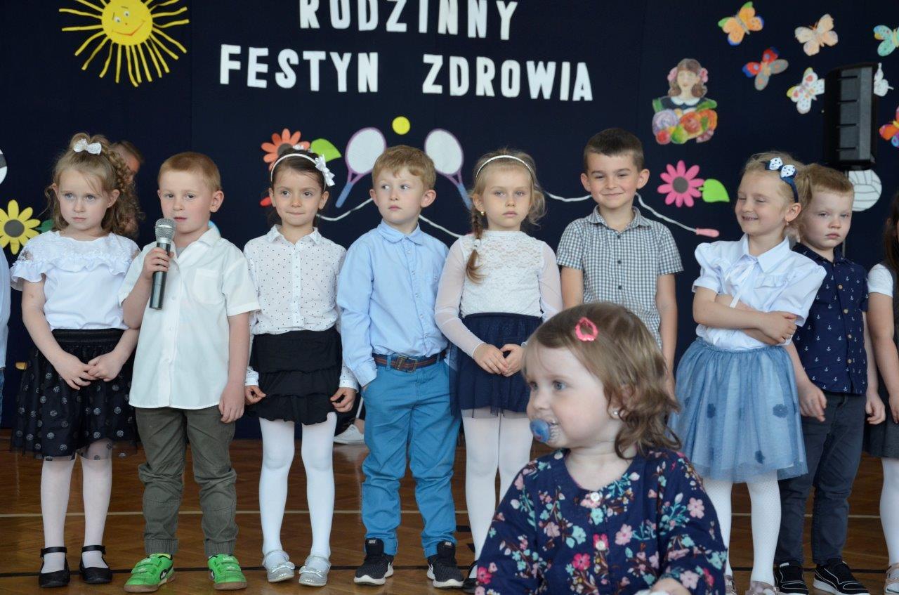 W sobotę, 25 maja, w szkole w Dzikowcu zorganizowano festyn rodzinny [ZDJĘCIA   WIDEO] - Zdjęcie główne