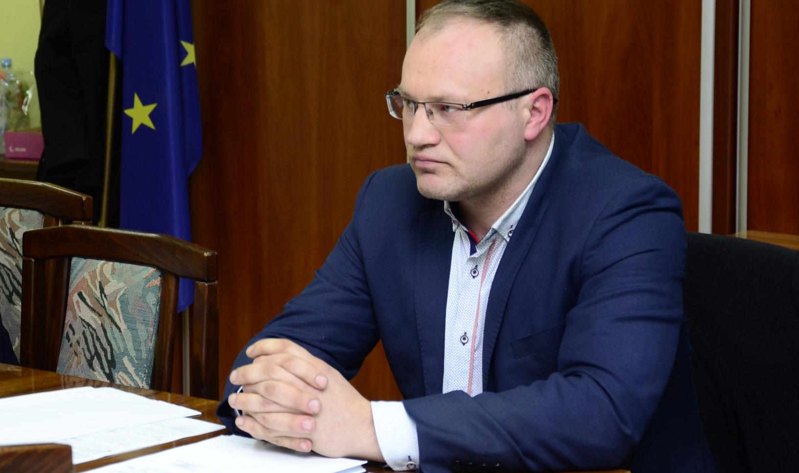 Raniżów. Sobolewski na stołku dyrektora bez konkursu. Tak chciał wójt Grądziel - Zdjęcie główne