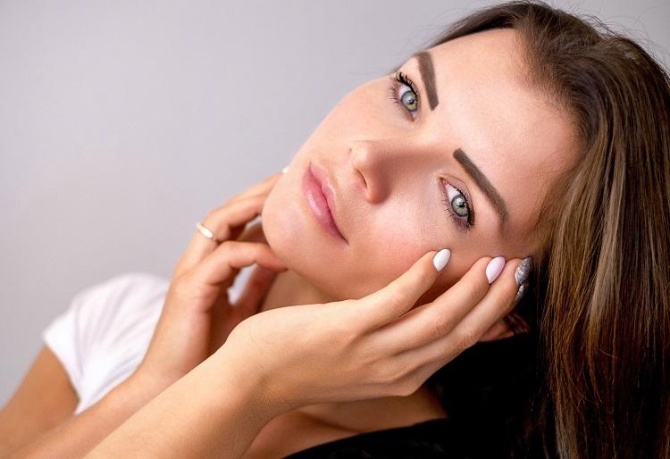 Delikatny makijaż, czyli jak poprawić stan cery? - Zdjęcie główne