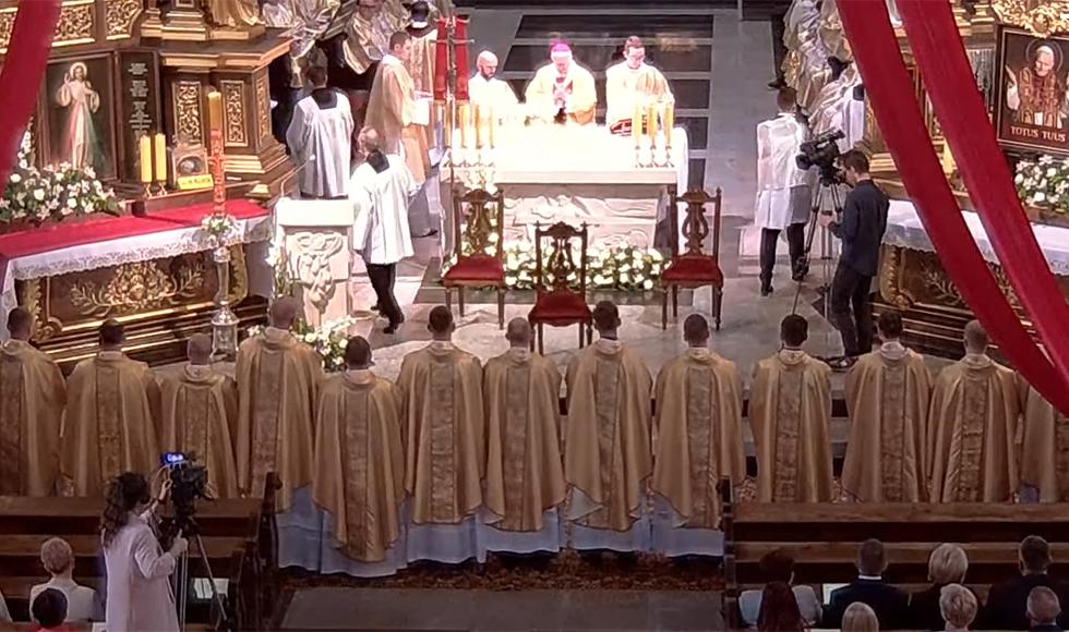 25 nowych księży w diecezji rzeszowskiej i przemyskiej  - Zdjęcie główne