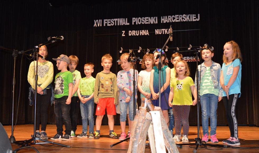 """Za nami XVI Hufcowy Festiwal Piosenki Harcerskiej """"Spotkanie z Druhną Nutką"""" w Kolbuszowej [ZDJĘCIA, WYNIKI] - Zdjęcie główne"""
