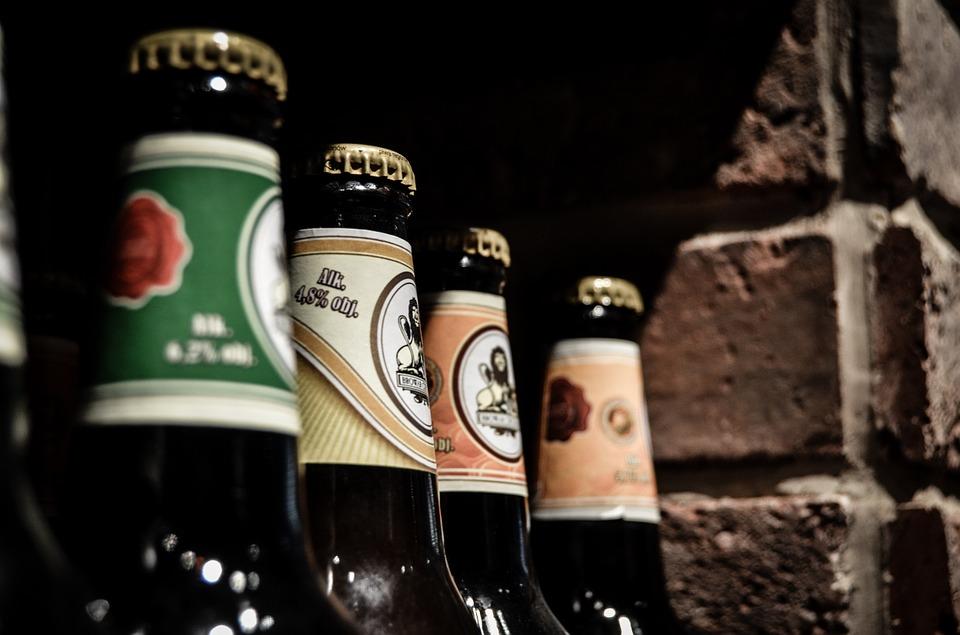 Koniec ze sprzedażą alkoholu po godzinie 22 w Majdanie Królewskim. Tak zdecydowali mieszkańcy i radni  - Zdjęcie główne