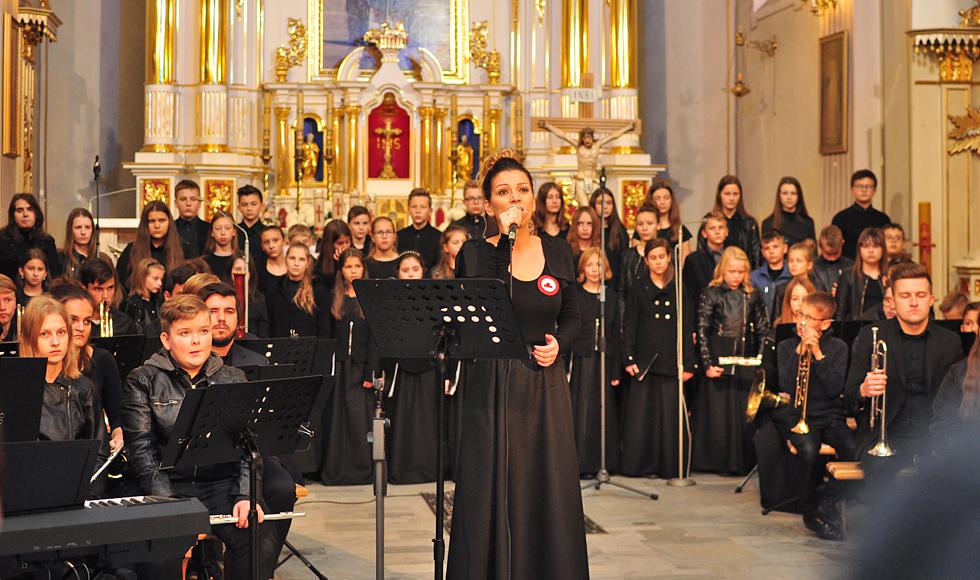 W kościele w Niwiskach odbył się koncert patriotyczny | WIDEO | - Zdjęcie główne