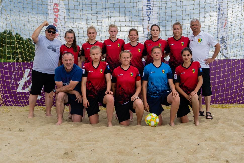 Piłkarki Sokoła Kolbuszowa Dolna powalczyły na piasku  - Zdjęcie główne