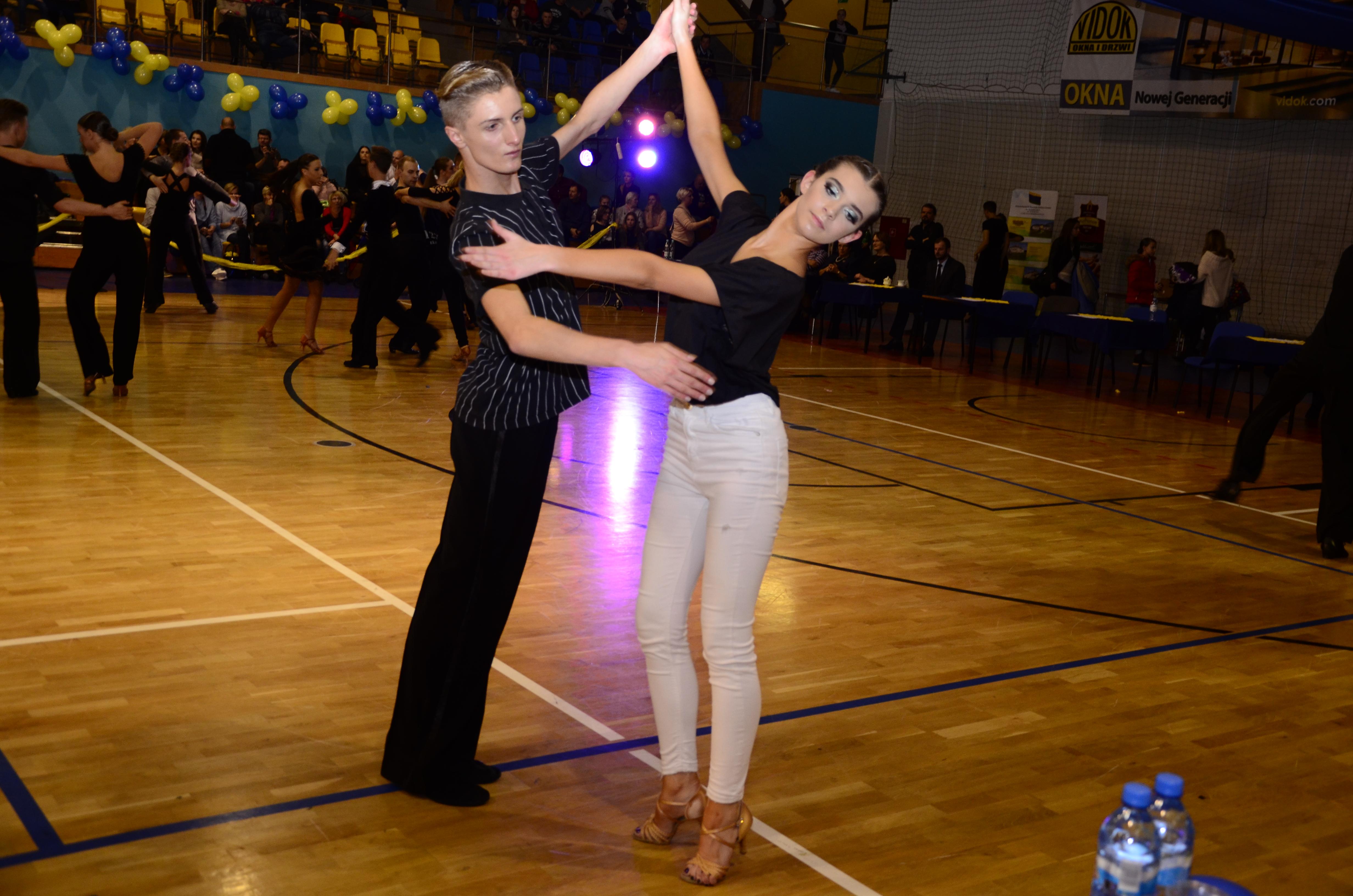 Ogólnopolski turniej tańca w Cmolasie. Tancerze w akcji [WIDEO]  - Zdjęcie główne