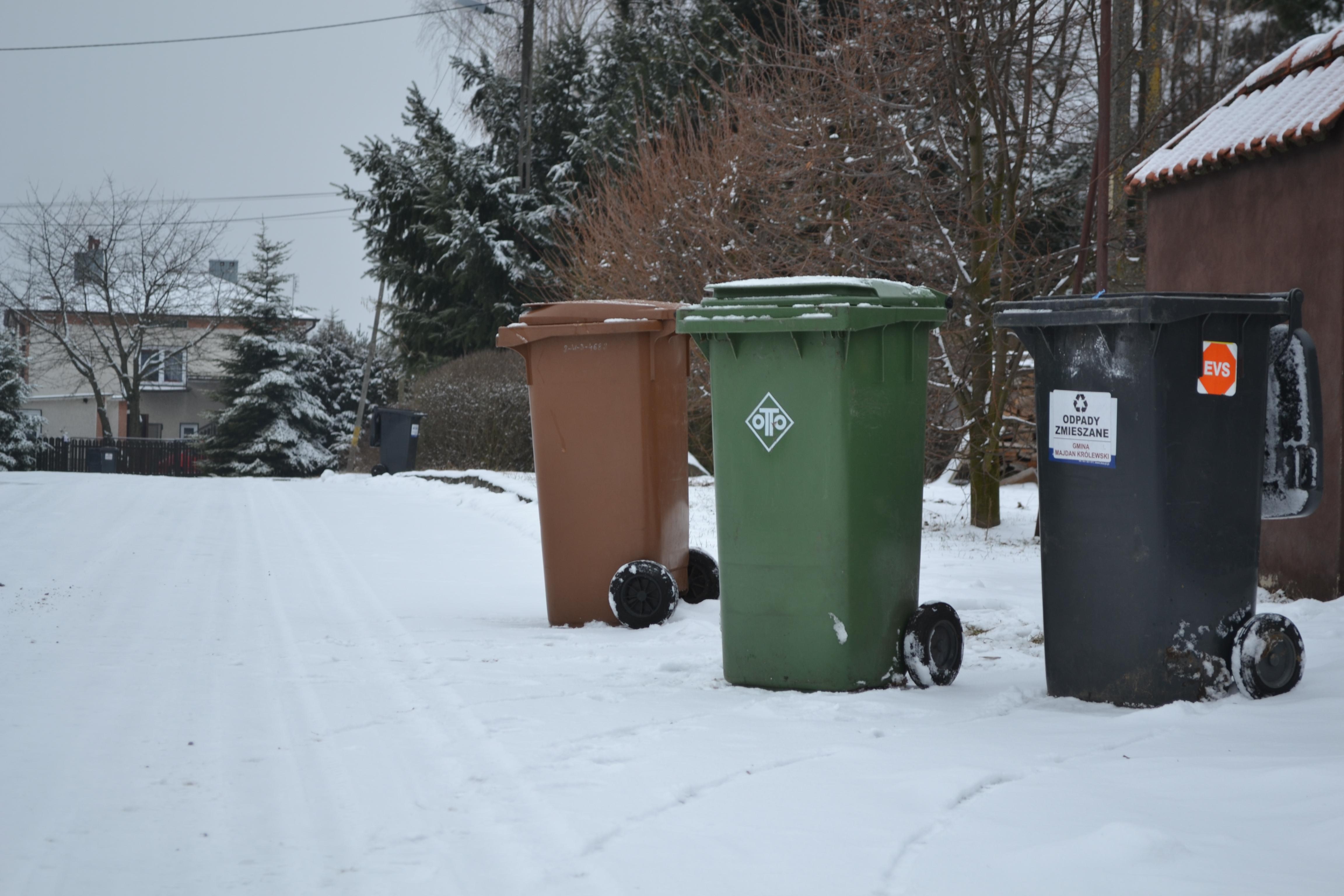 Sołtys Huty Komorowskiej skarży się na godziny odbioru śmieci w jego miejscowości  - Zdjęcie główne