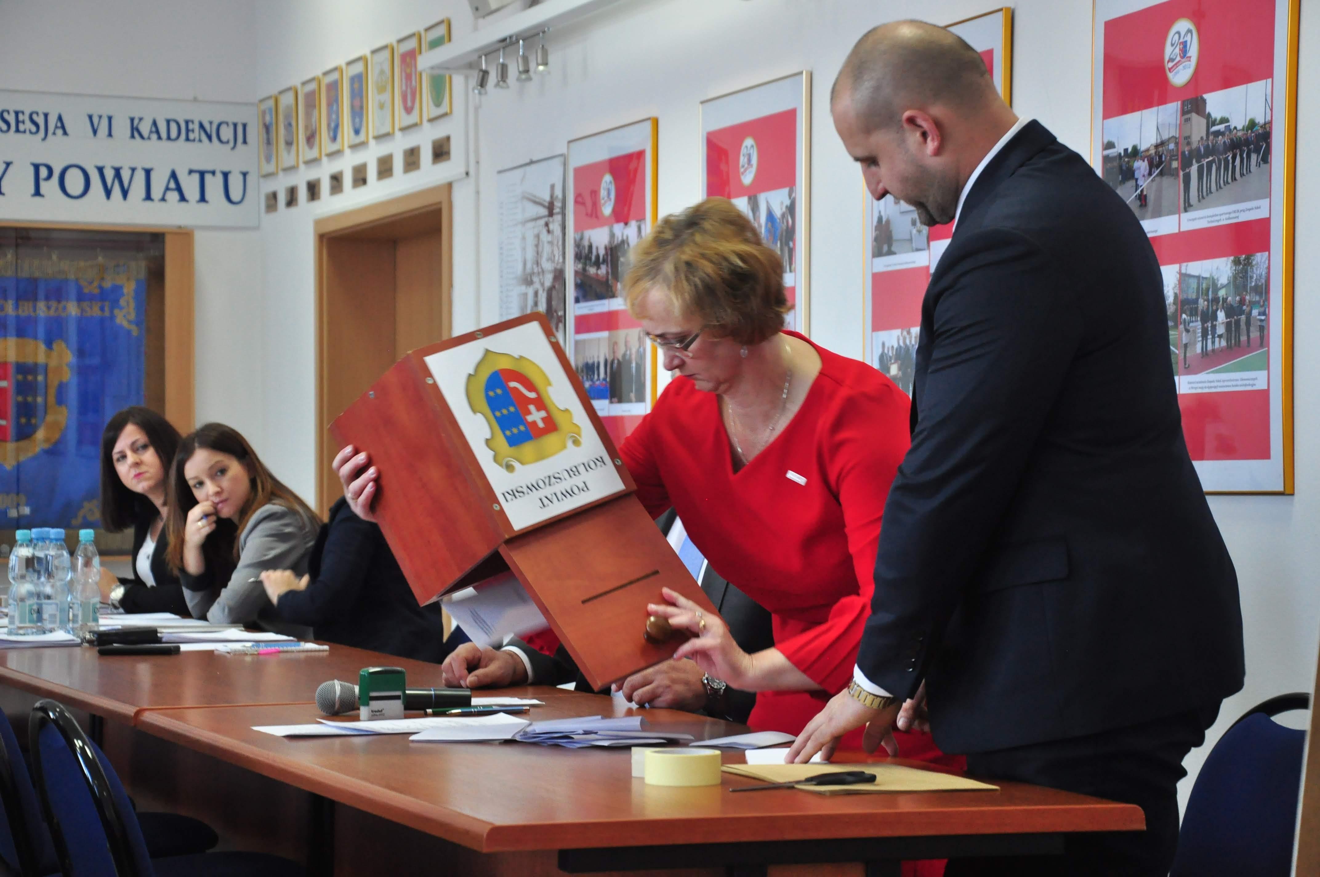 Rada Powiatu Kolbuszowskiego VI kadencji rozpoczęła swoją pracę - Zdjęcie główne