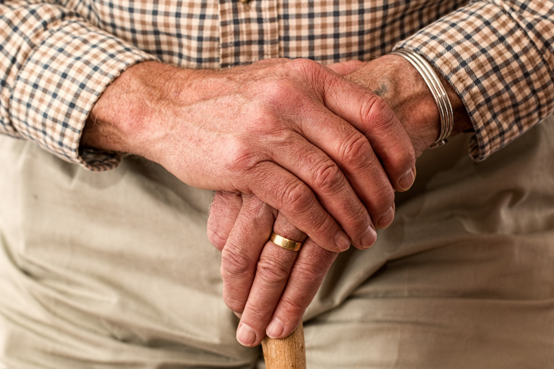 Region: Urzędnik ukradł staruszkowi oszczędności życia - Zdjęcie główne