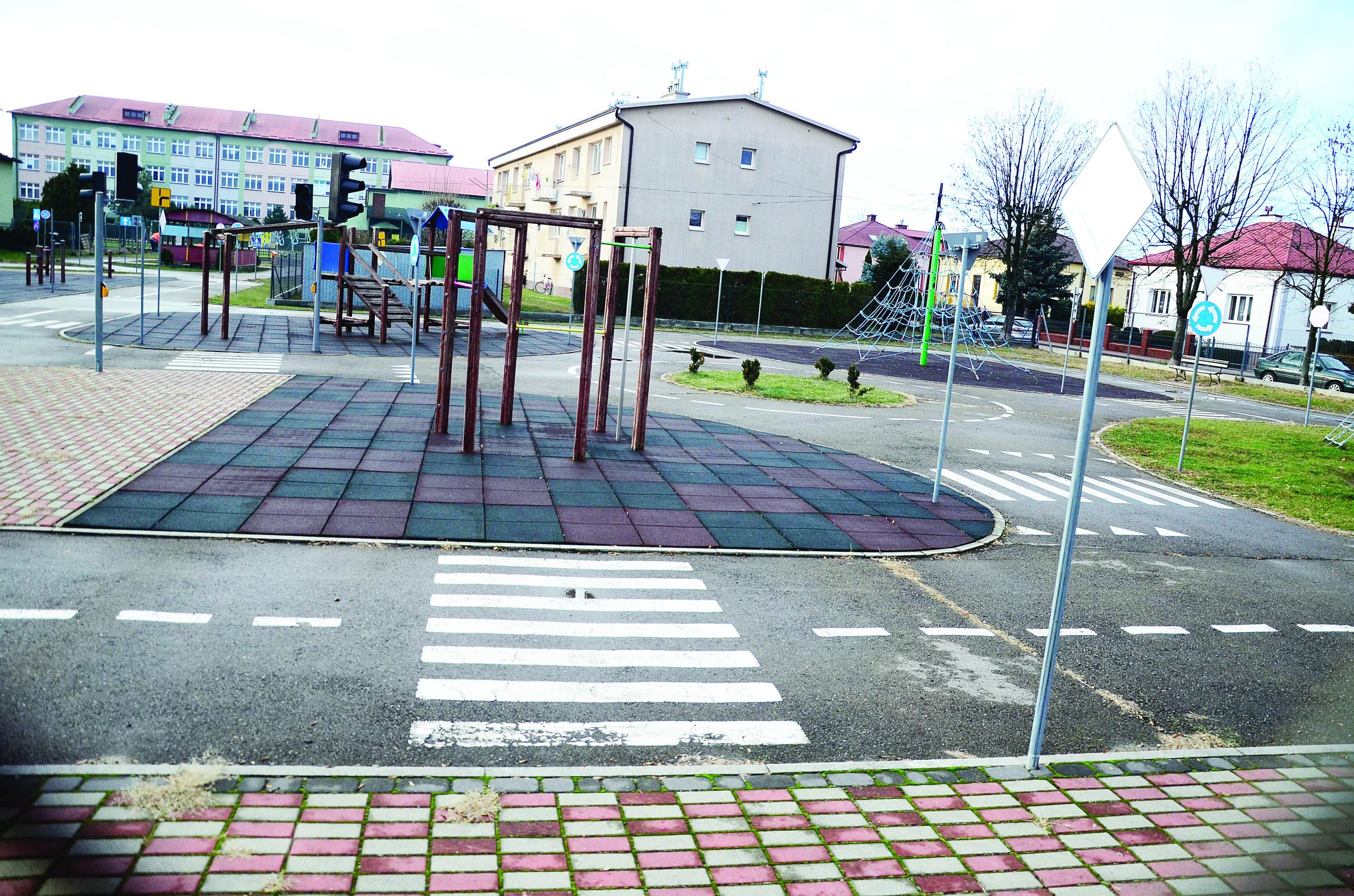 Fontanny, miasteczko ruchu i plac zabaw - między innymi takie atrakcje mają pojawić się na placu przy ul. Jagiellońskiej w Majdanie Królewskim  - Zdjęcie główne
