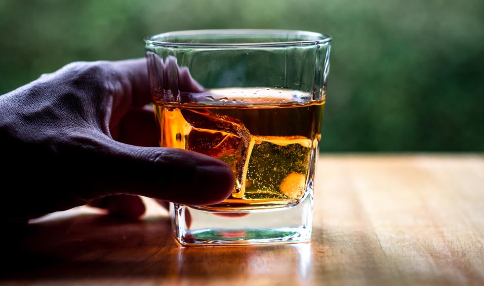 Podkarpacie. Pijany ojciec opiekował się swoją 8-letnią córką. Miał blisko 3 promile alkoholu we krwi - Zdjęcie główne