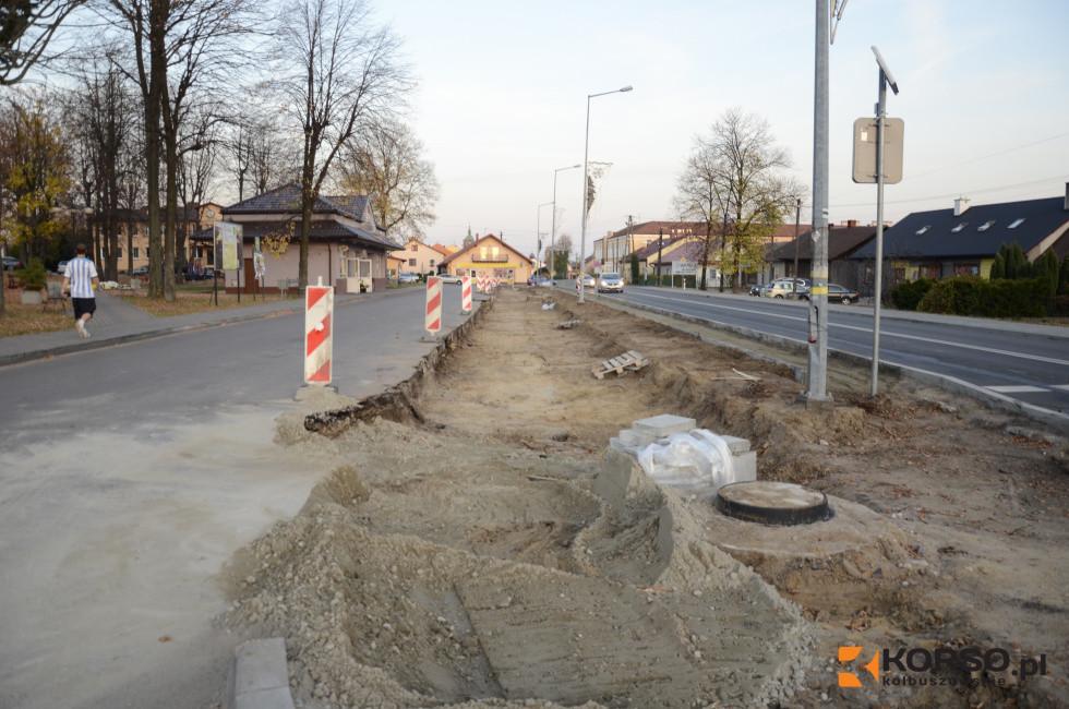 Trwa budowa zatoki postojowej w centrum Raniżowa - Zdjęcie główne