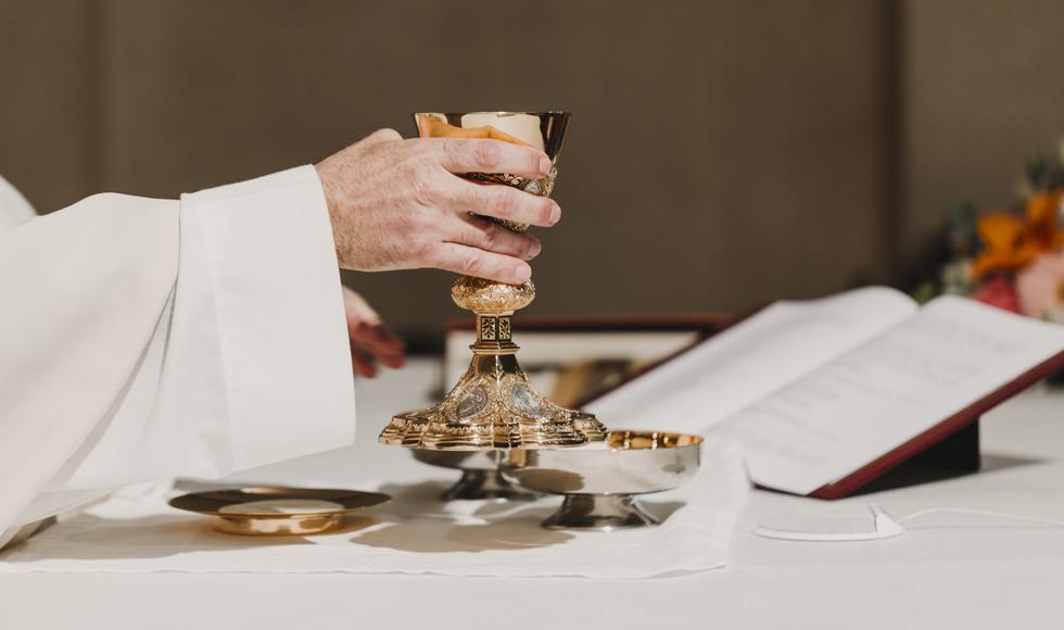 Dyspensa od mszy i przesunięte bierzmowania - Episkopat Polski reaguje na koronawirusa  - Zdjęcie główne