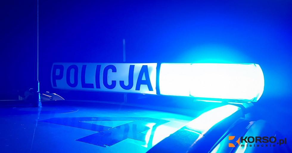 Z REGIONU. 15-latka napadła 18-latkę w jej mieszkaniu. Wyciągnęła nóż  - Zdjęcie główne