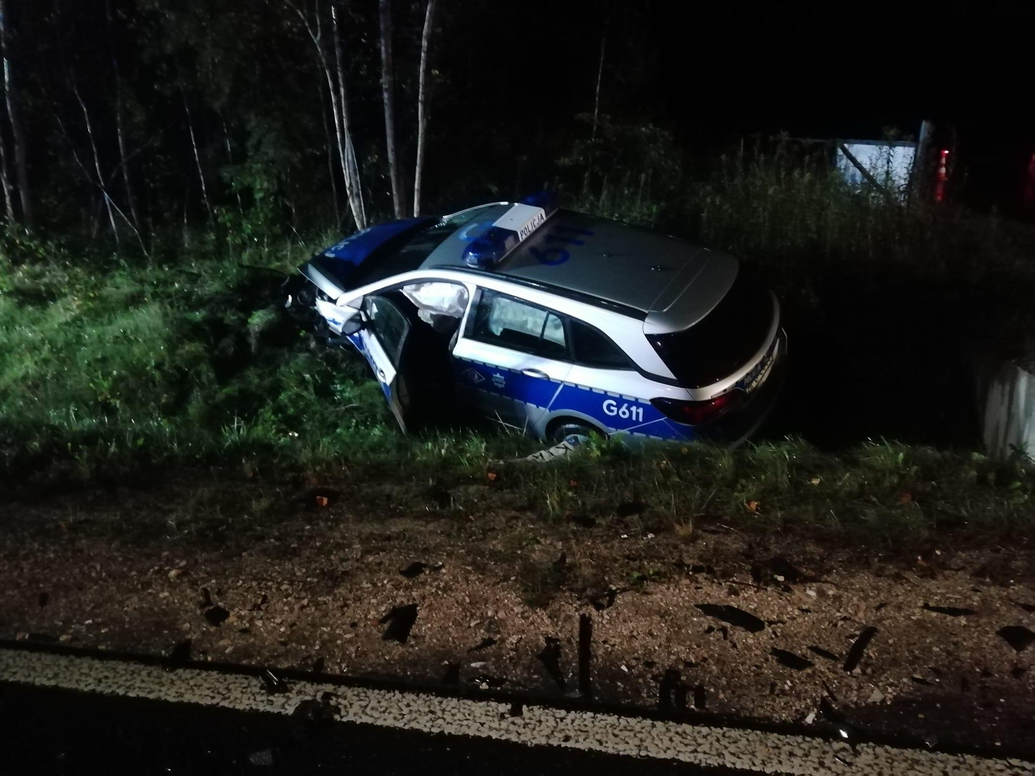 Z KRAJU: Pijany kierowca staranował radiowóz i matiza [ZDJĘCIA] - Zdjęcie główne