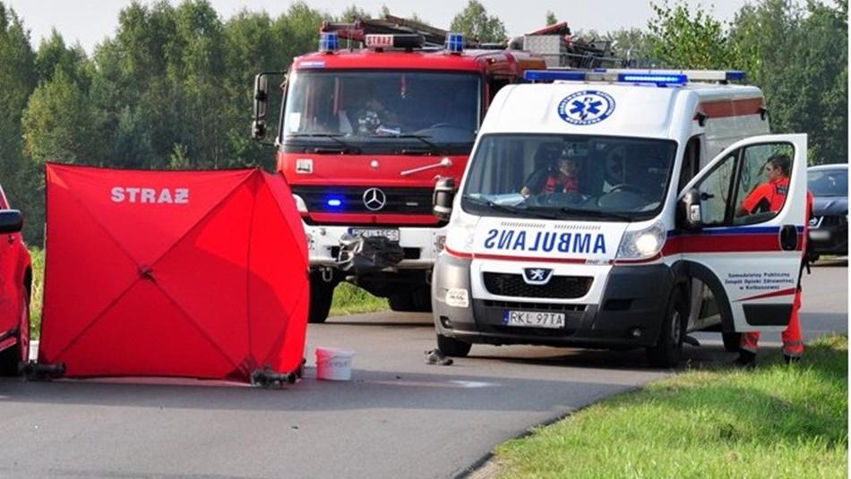 Śmiertelny wypadek w Hucinie. Mężczyzna uderzył w przepust  - Zdjęcie główne
