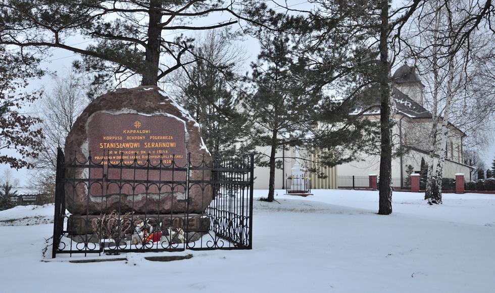Radny z Mechowca zaapelował do władz Dzikowca, aby zwróciły uwagę na pomnik kaprala Stanisława Serafina - Zdjęcie główne