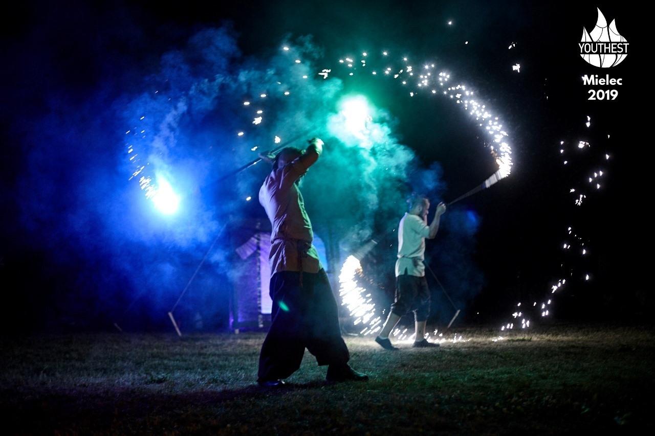 Region: Kolorowe wydarzenie w Mielcu. Cztery festiwale podczas jednej imprezy - Zdjęcie główne