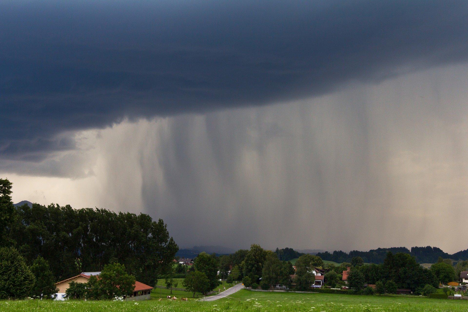 Pogoda Kolbuszowa. Ostrzeżenie drugiego stopnia o burzach z gradem - Zdjęcie główne