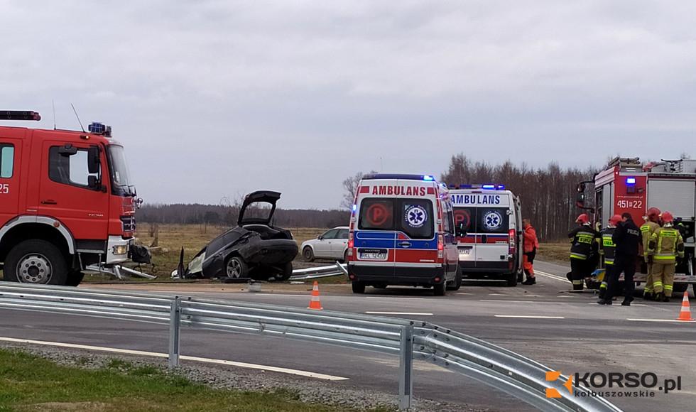 Trzy osoby trafiły do szpitala. Policja o wypadku w Weryni  - Zdjęcie główne