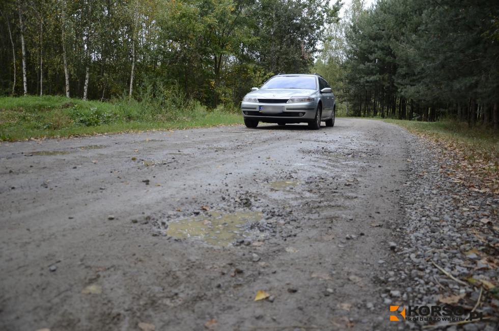 Asfalt na drodze relacji Mechowiec-Werynia. To idealny skrót do Kolbuszowej  - Zdjęcie główne