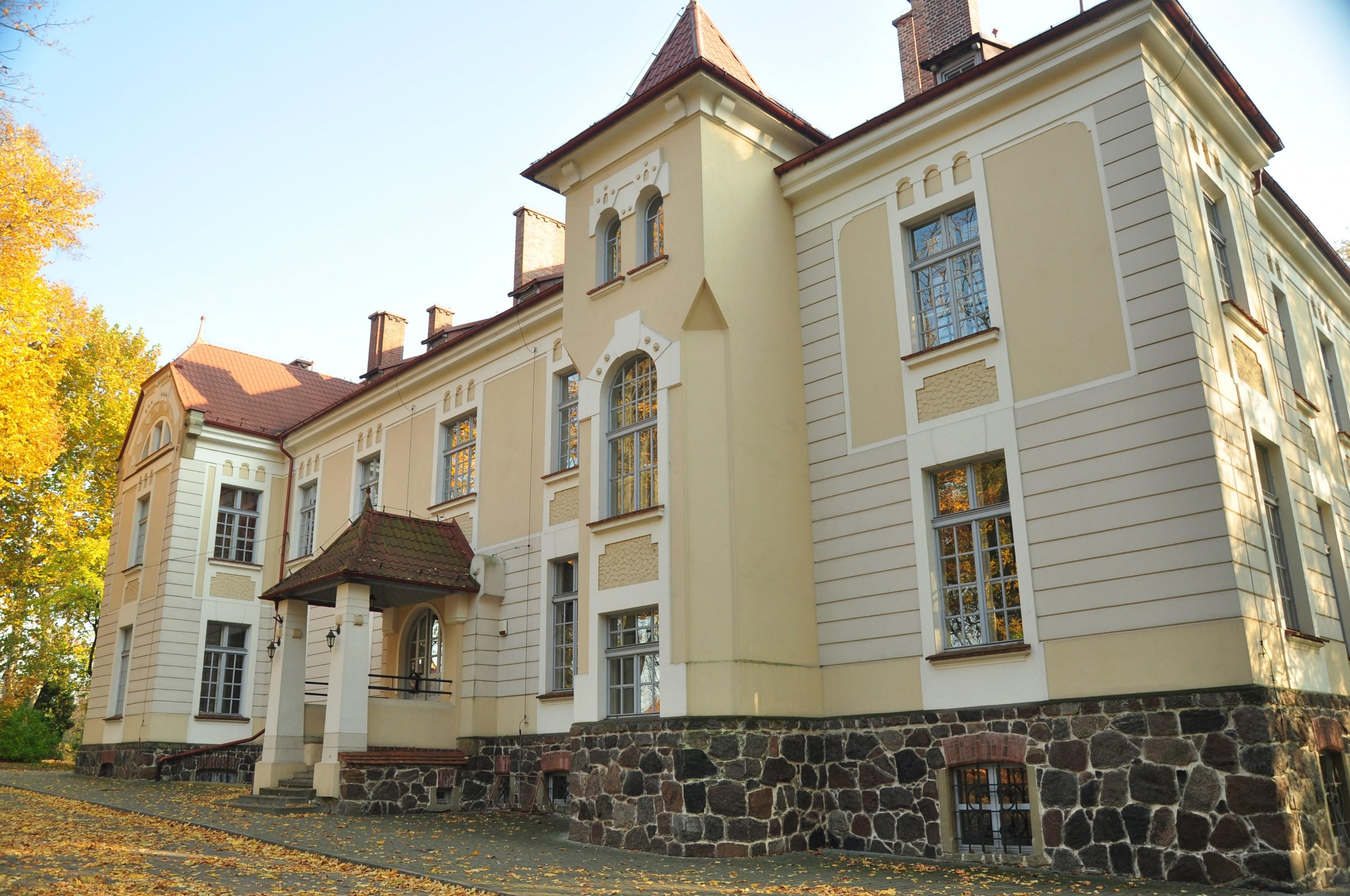 Trwa walka o pałac w Weryni. Sąd w Warszawie odrzucił skargę potomka Tyszkiewiczów - Zdjęcie główne