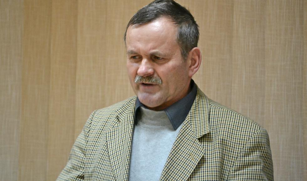 Radny Adam Chlebowski z Huciny skarży się na rozpadający się przepust drogowy  - Zdjęcie główne