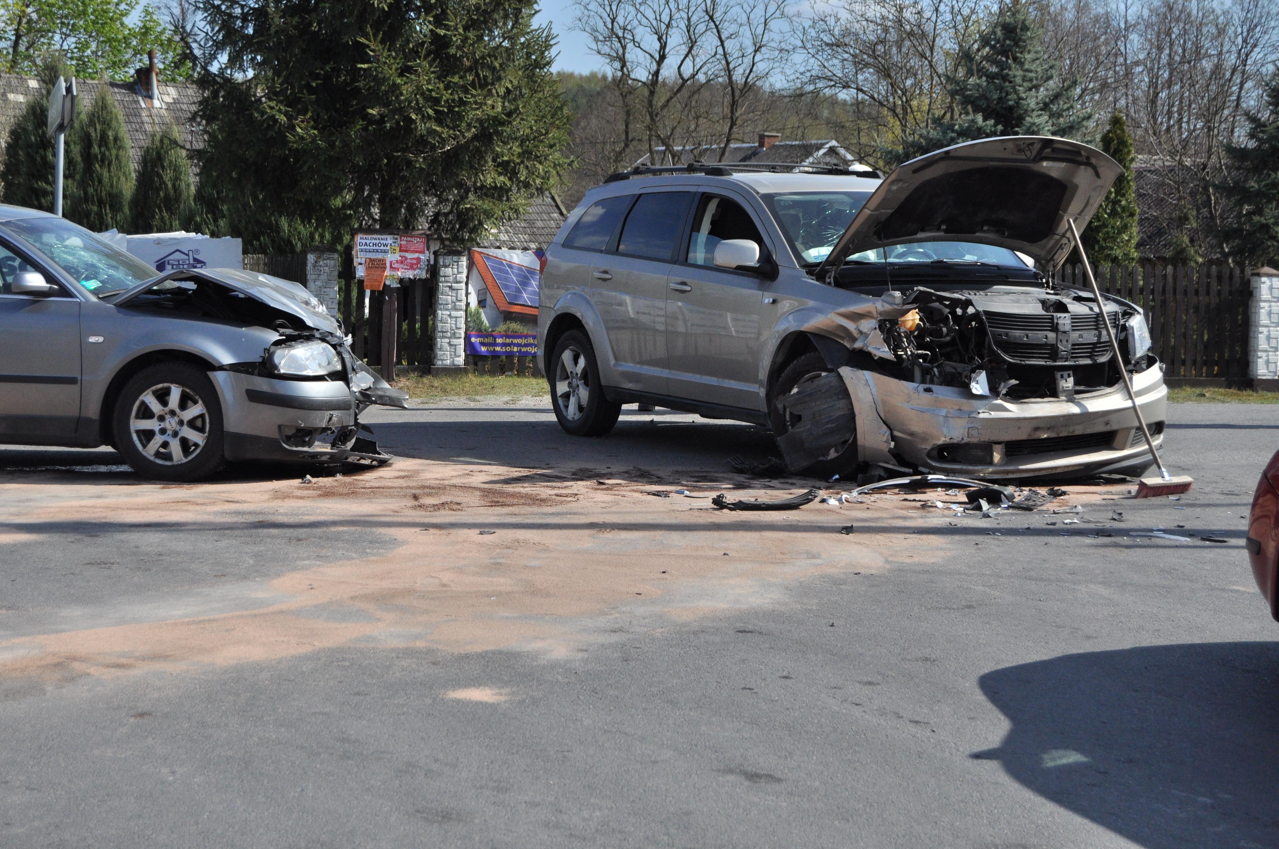 Policja o wczorajszym wypadku. Dwie ranne kobiety [FOTO] - Zdjęcie główne