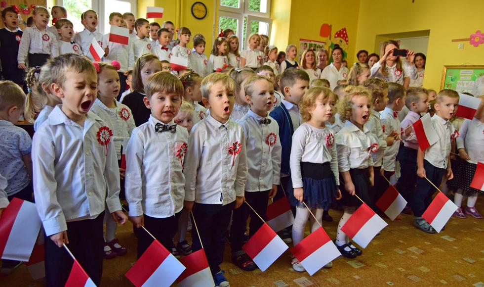 Hymn na pięć milionów głosów również w Kolbuszowej. Zobacz wideo  - Zdjęcie główne