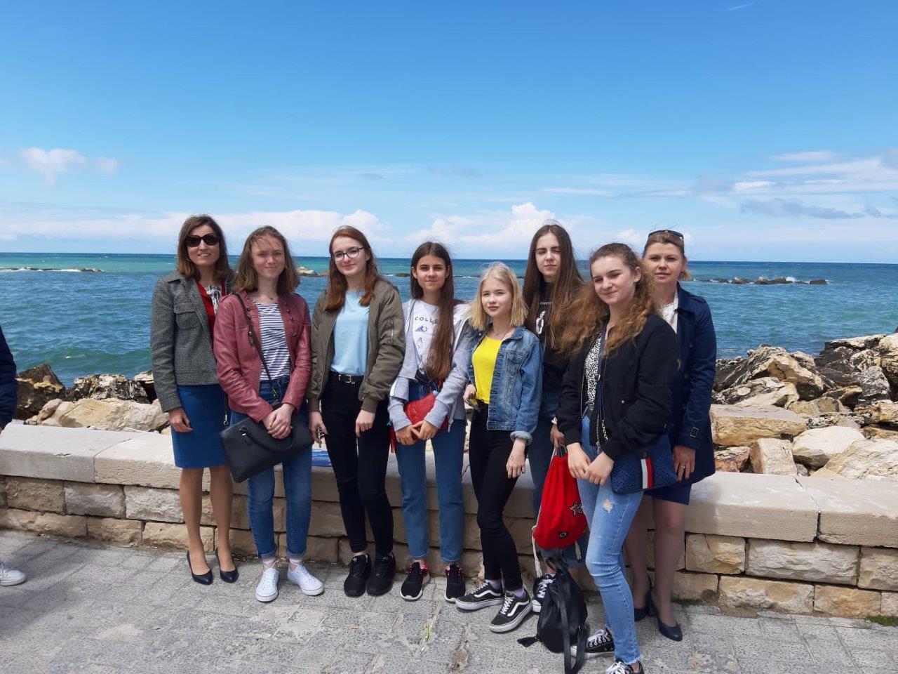 Uczniowie ze szkoły w Dzikowcu pojechali na wycieczkę do Włoch - Zdjęcie główne