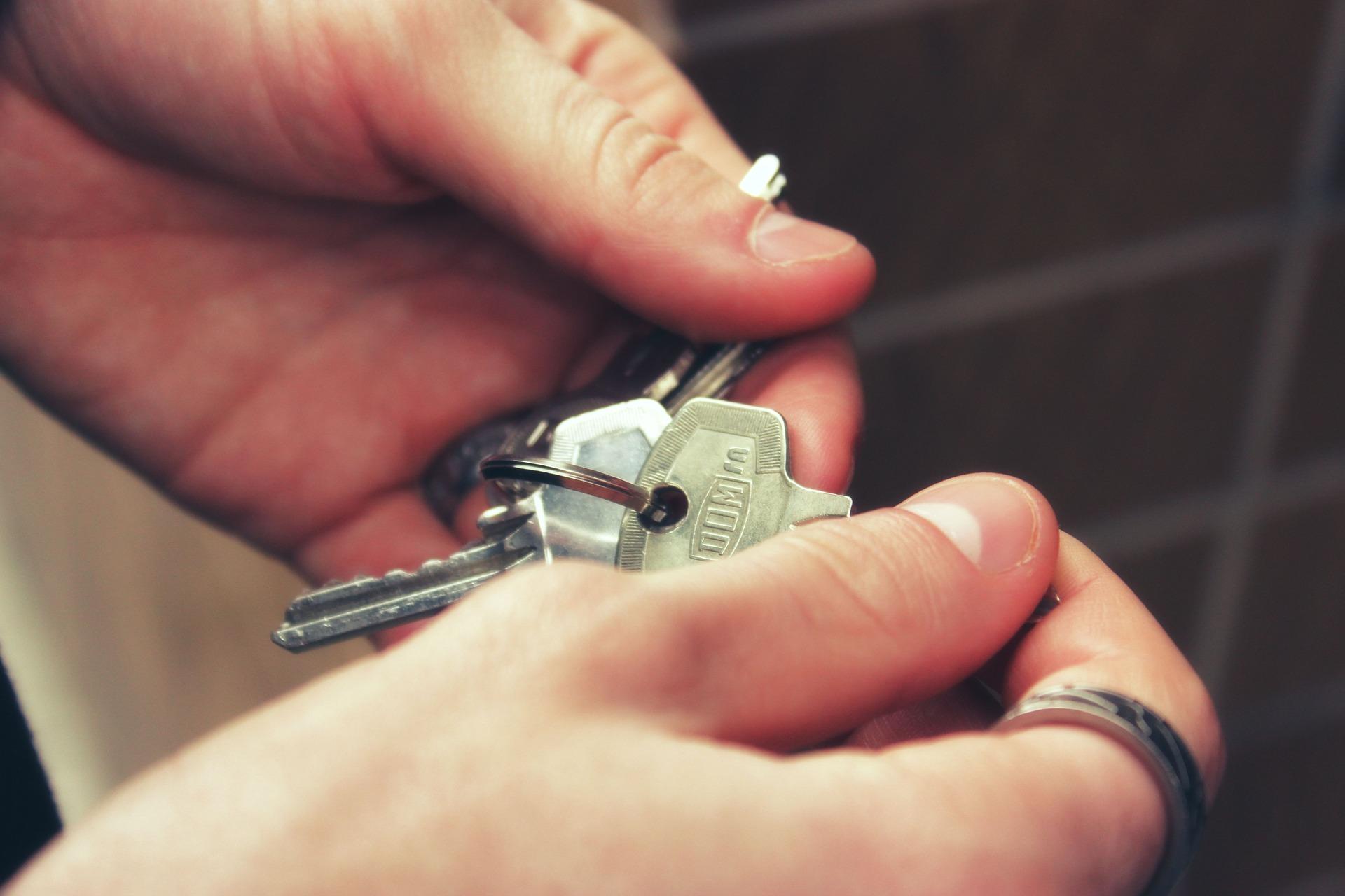 Kto na terenie powiatu korzysta z mieszkań komunalnych?  - Zdjęcie główne