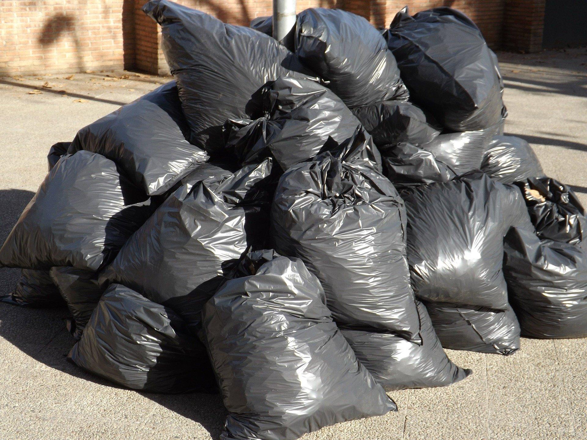 Na śmieci będzie umowa - Zdjęcie główne