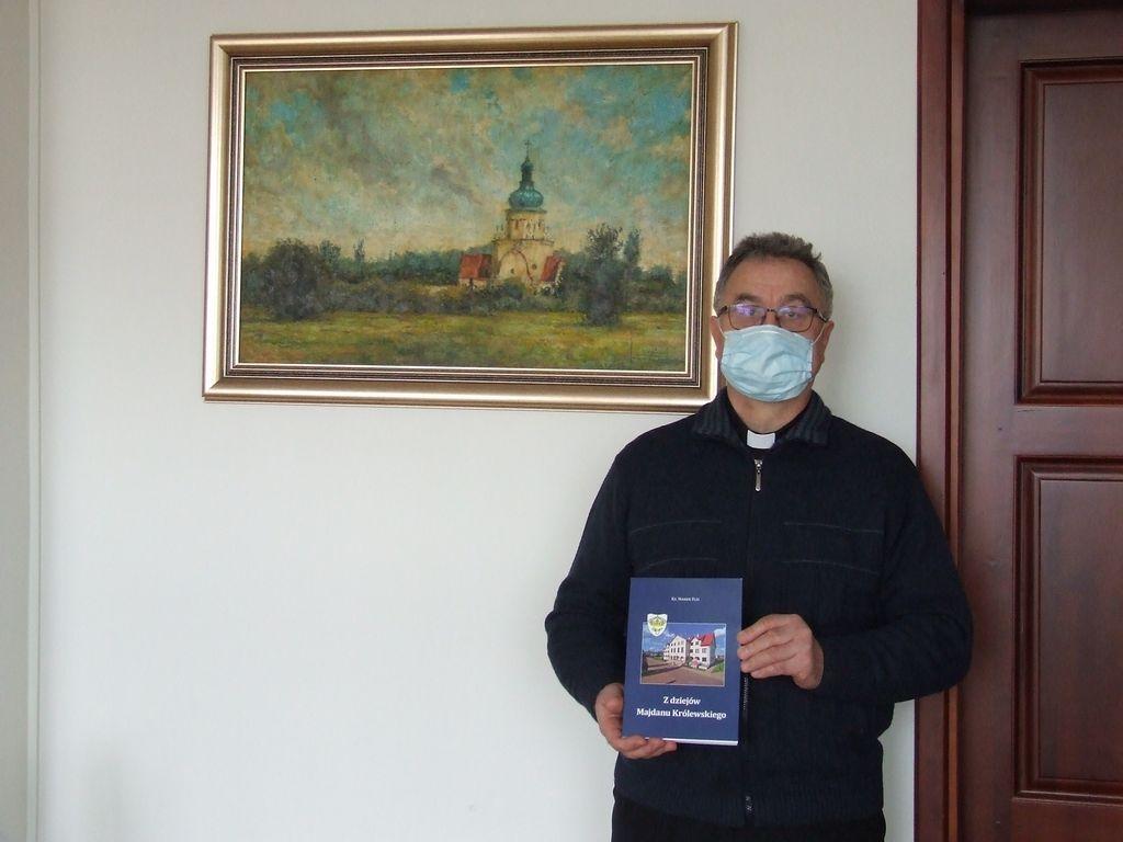 Ks. Marek Flis napisał książkę o Majdanie Królewskim - Zdjęcie główne