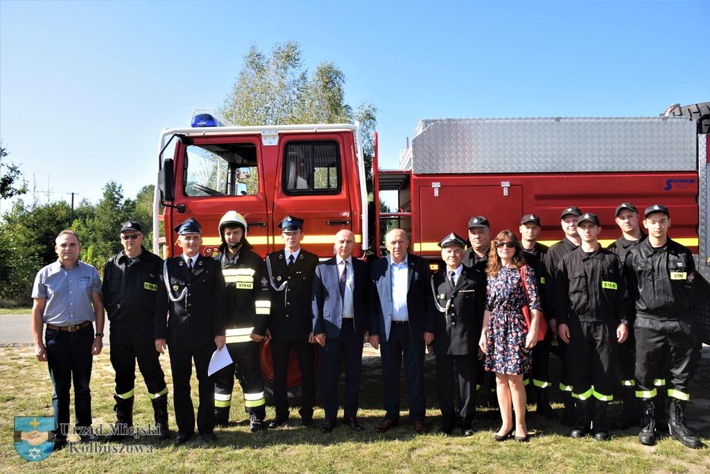 Wóz strażacki dla Świerczowa od Kolbuszowej Dolnej [FOTO] - Zdjęcie główne