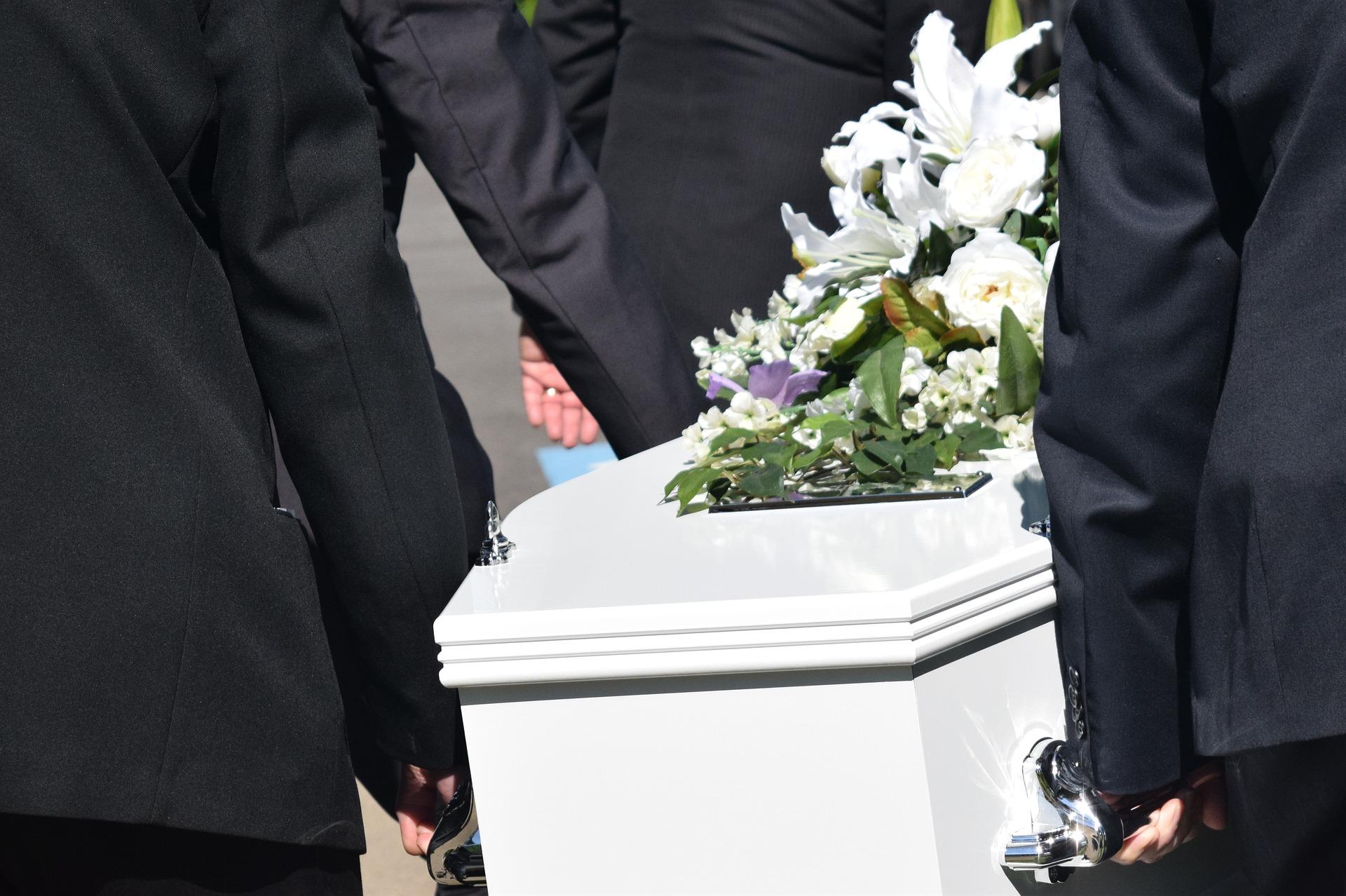 Wyższy zasiłek pogrzebowy w przypadku osób zakażonych koronawirusem?  - Zdjęcie główne
