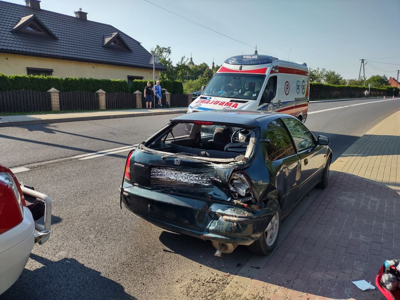 Wypadek w Majdanie Królewskim. W samochodzie 2-letnie dziecko [ZDJĘCIA] - Zdjęcie główne