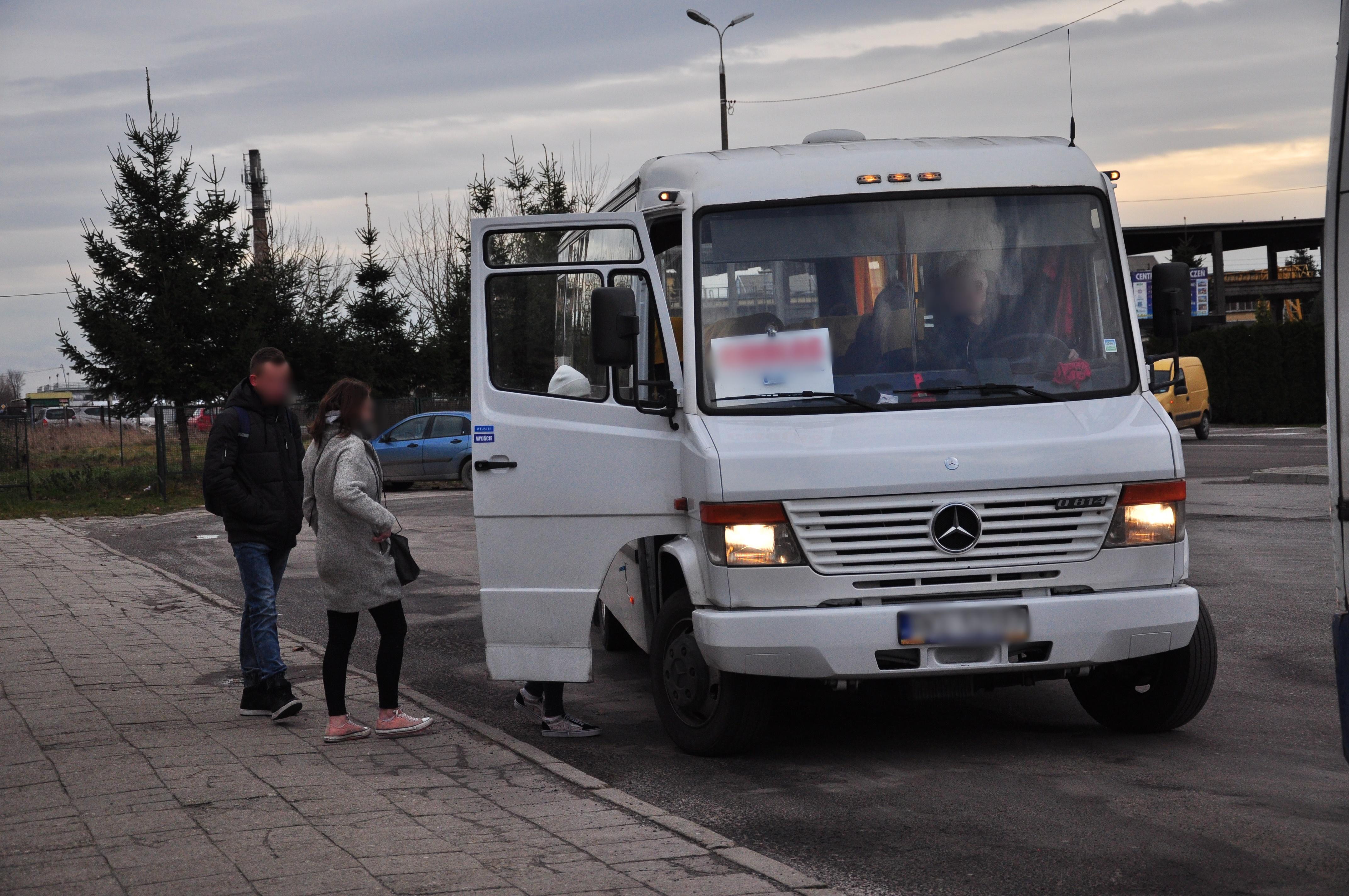 Bilety miesięczne tańsze dla uczniów szkół średnich w powiecie kolbuszowskim. Skorzystać może nawet 60 proc. dojeżdżających - Zdjęcie główne