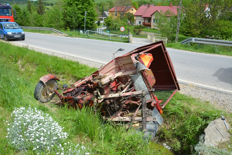 Podkarpacie: Ranny traktorzysta po zderzeniu z tirem - Zdjęcie główne