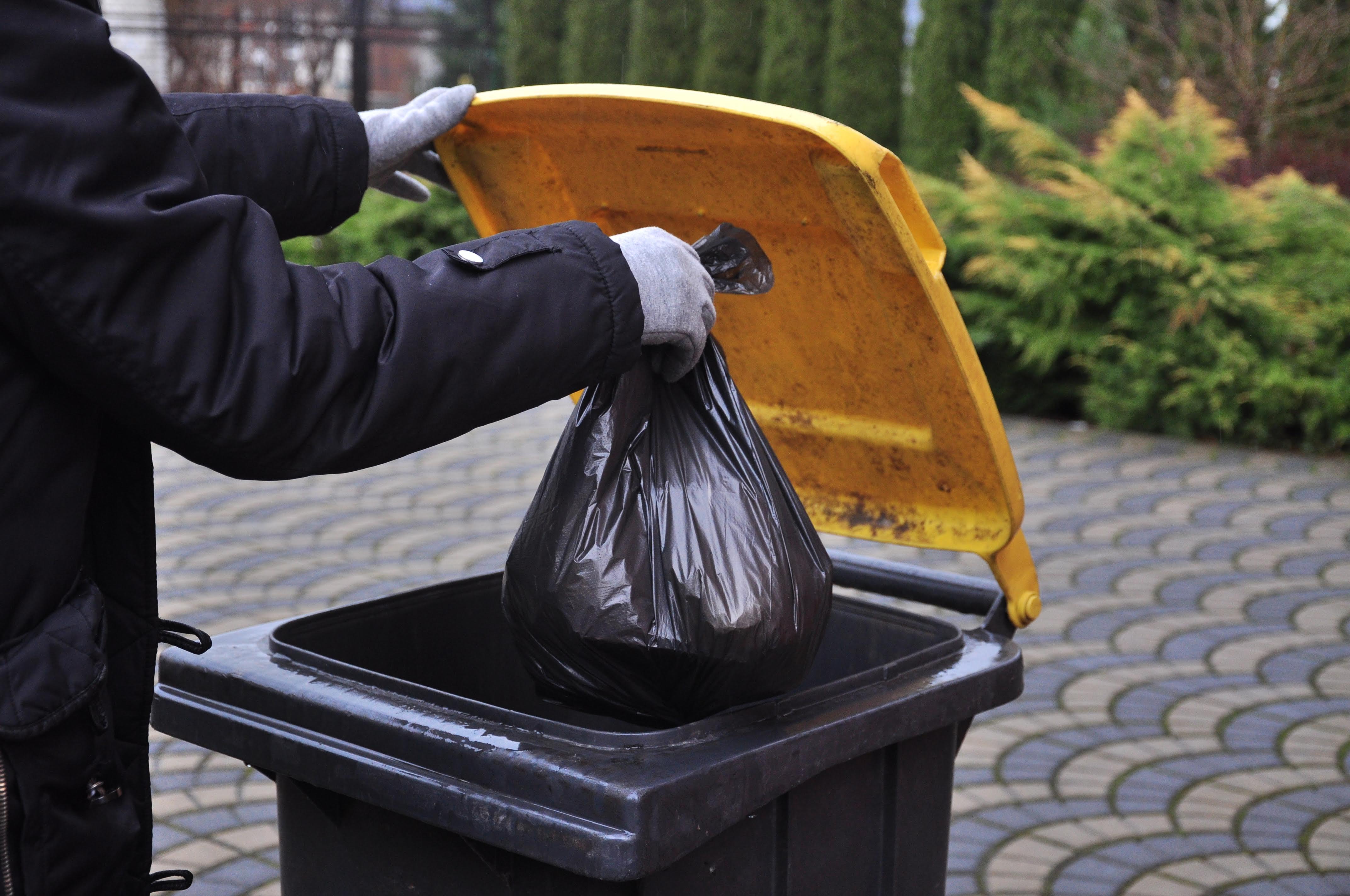 GMINA NIWISKA. Ceny śmieci nawet o 200 proc. wyższe. Sprawdź nowe stawki na 2020 rok - Zdjęcie główne