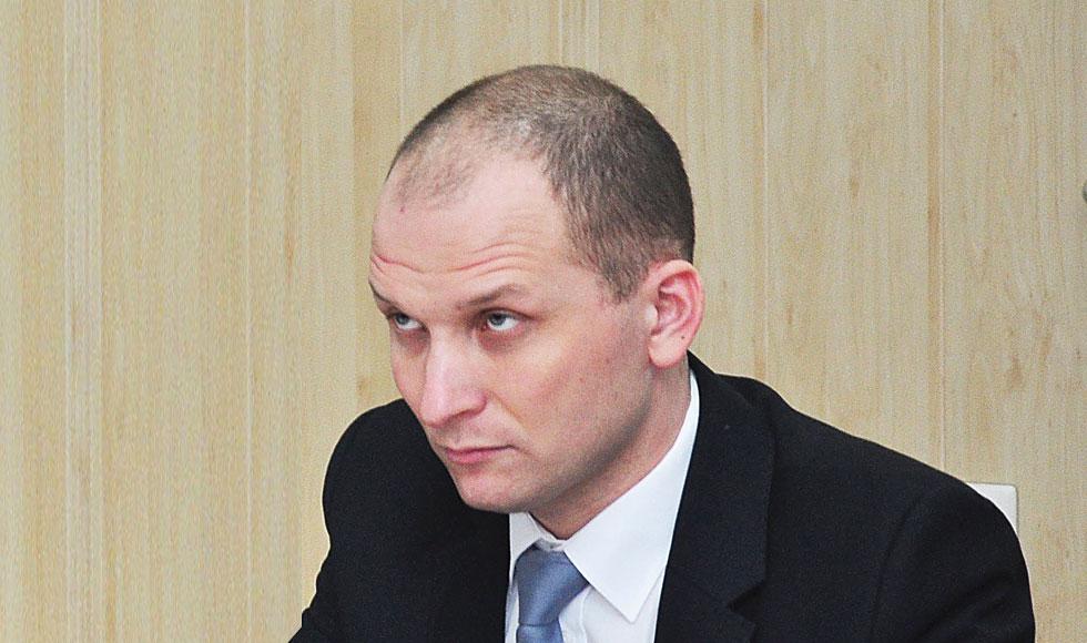 RANIŻÓW. Radny Mateusz Niemczyk upomina się o budowę kanalizacji w Mazurach - Zdjęcie główne