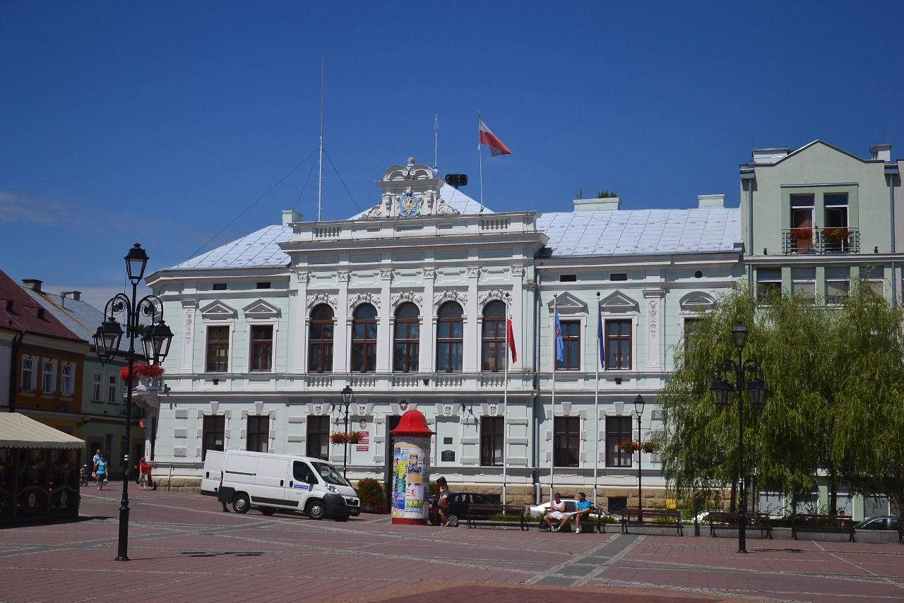 Opłata za śmieci uzależniona od zużycia wody? XLVI sesja Rady Miasta Sanoka VIII kadencji - Zdjęcie główne