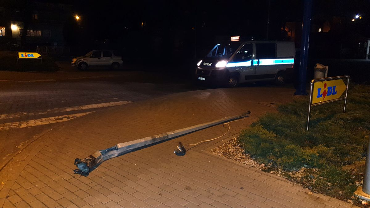 SANOK TERAZ: Ściął latarnię i uciekał ciągnąc ją za samochodem [ZDJĘCIA] AKTUALIZACJA - Zdjęcie główne