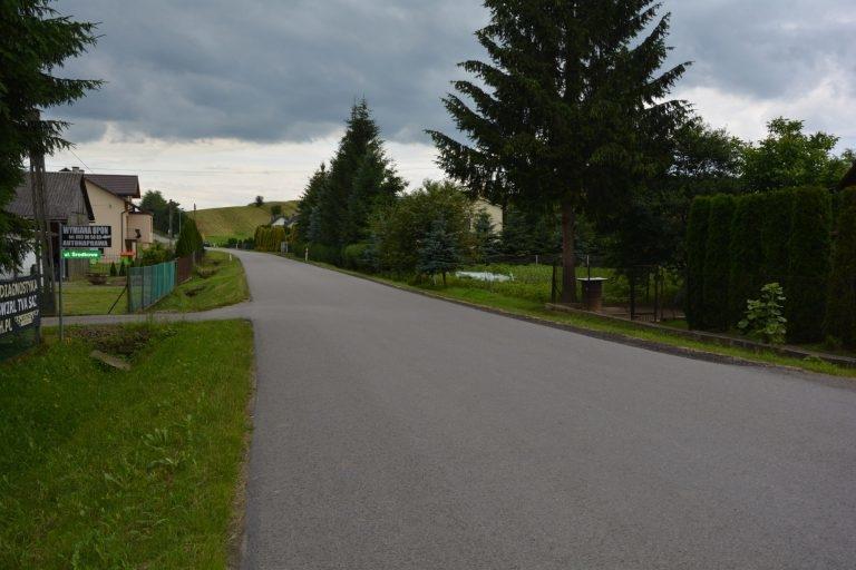 Gmina Sanok. Kończy się budowa chodnika w Trepczy [FOTO] - Zdjęcie główne
