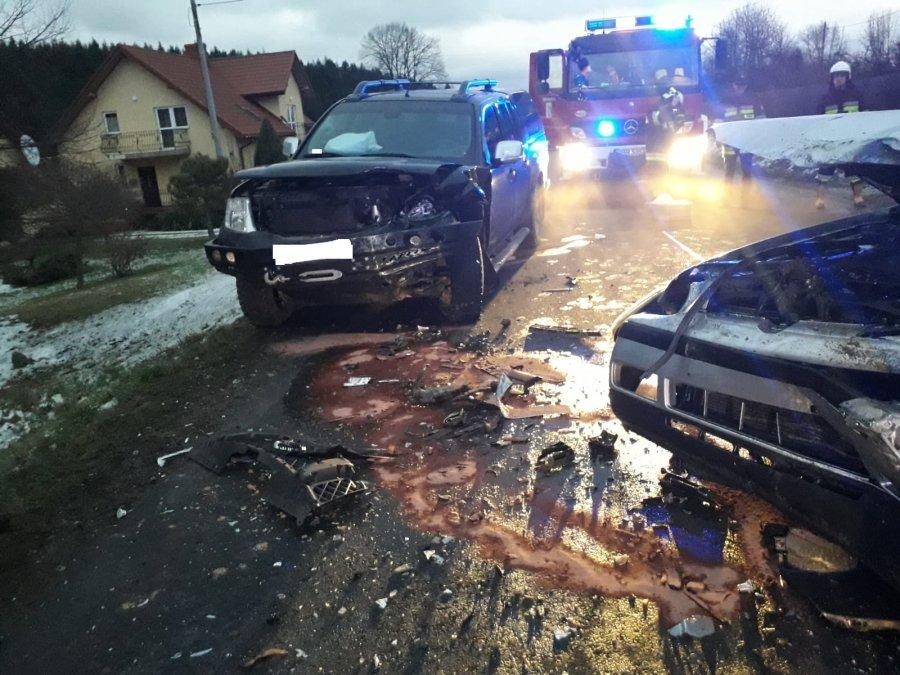 Czołowe zderzenie w Jabłonce [FOTO] - Zdjęcie główne